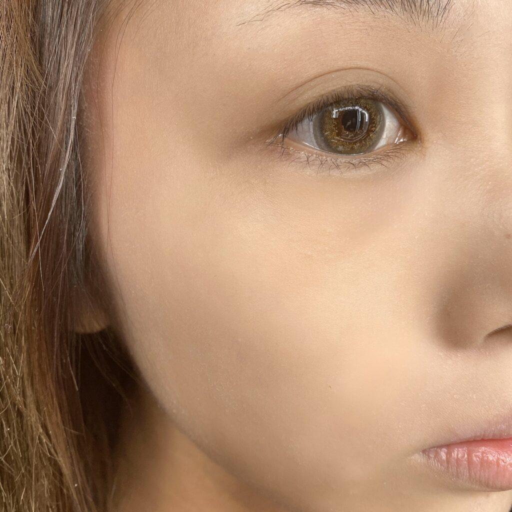 インフルエンサーのLindaさんがレブロン カラーステイ メイクアップ N を使用した際の顔写真