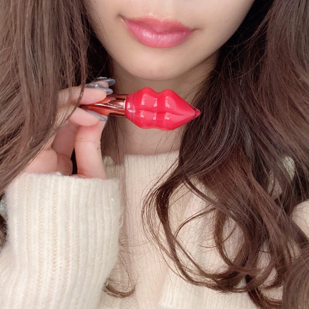 インフルエンサーのazusaさんがステラシード プランプピンク メルティーリップセラムを使用した際の口元の写真