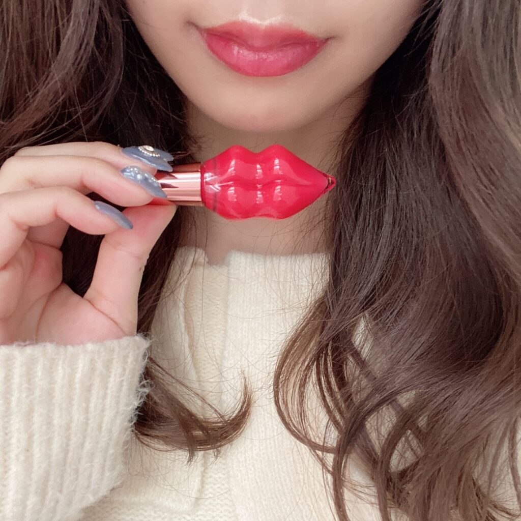 インフルエンサーのazusaさんがジルスチュアート ティントインドリームとステラシード プランプピンク メルティーリップセラムを使用した際の口元の写真