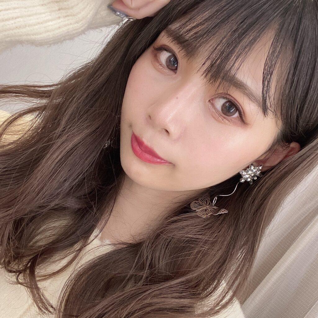 インフルエンサーのazusaさんがディオール アディクトリップマキシマイザーを使用した際の顔写真
