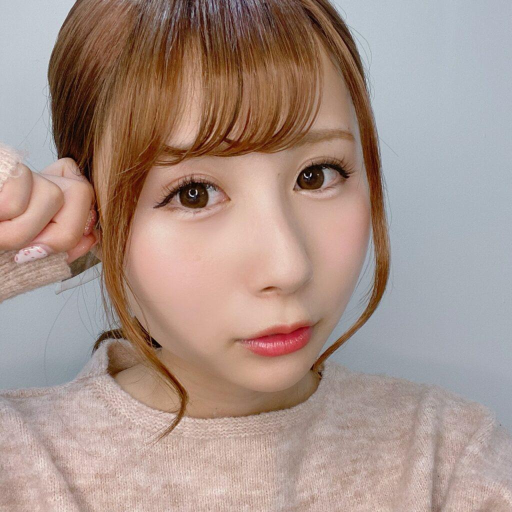 インフルエンサーのSakiさんがザ セム カバーパーフェクションチップコンシーラーを使用した際の顔写真