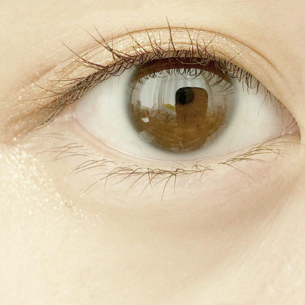 ダイソー 埋没式形成くっきり ふたえテープとエチュードハウス ピクニックエアームースアイズを使用した際の目を開いた写真