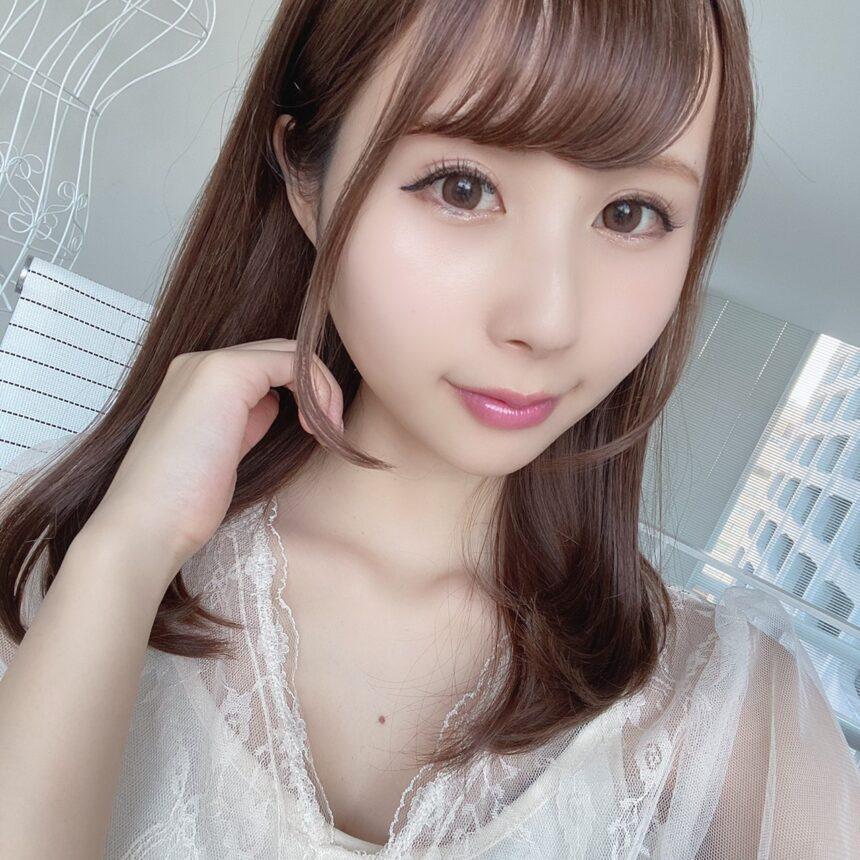 インフルエンサーのSakiさんがオペラリップティントN 07 ベビーピンクを使用した際の写真