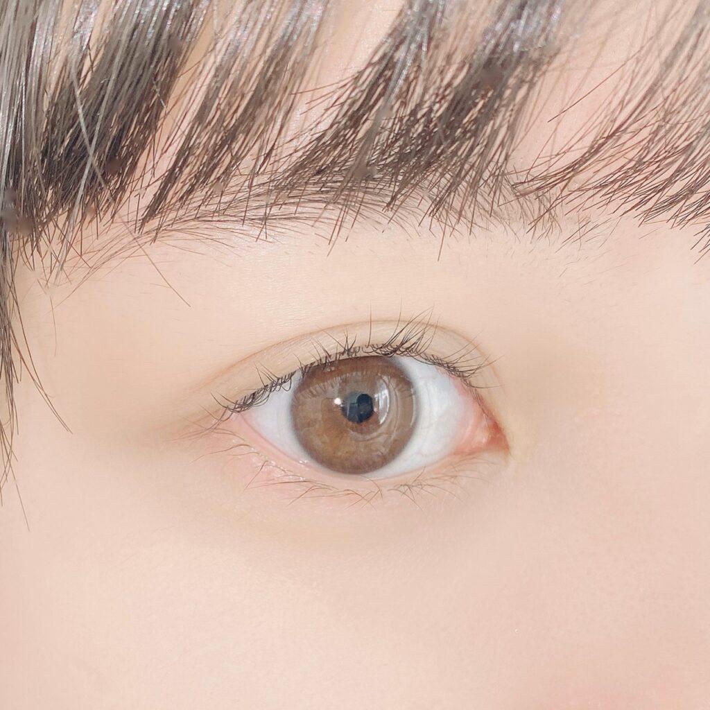 インフルエンサーがセザンヌ クリア マスカラRを使用した際の目元の写真